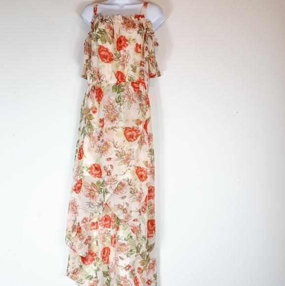 Suzy Shier Dresses & Skirts - Suzy Shier,  on/off shoulder maxi dress.